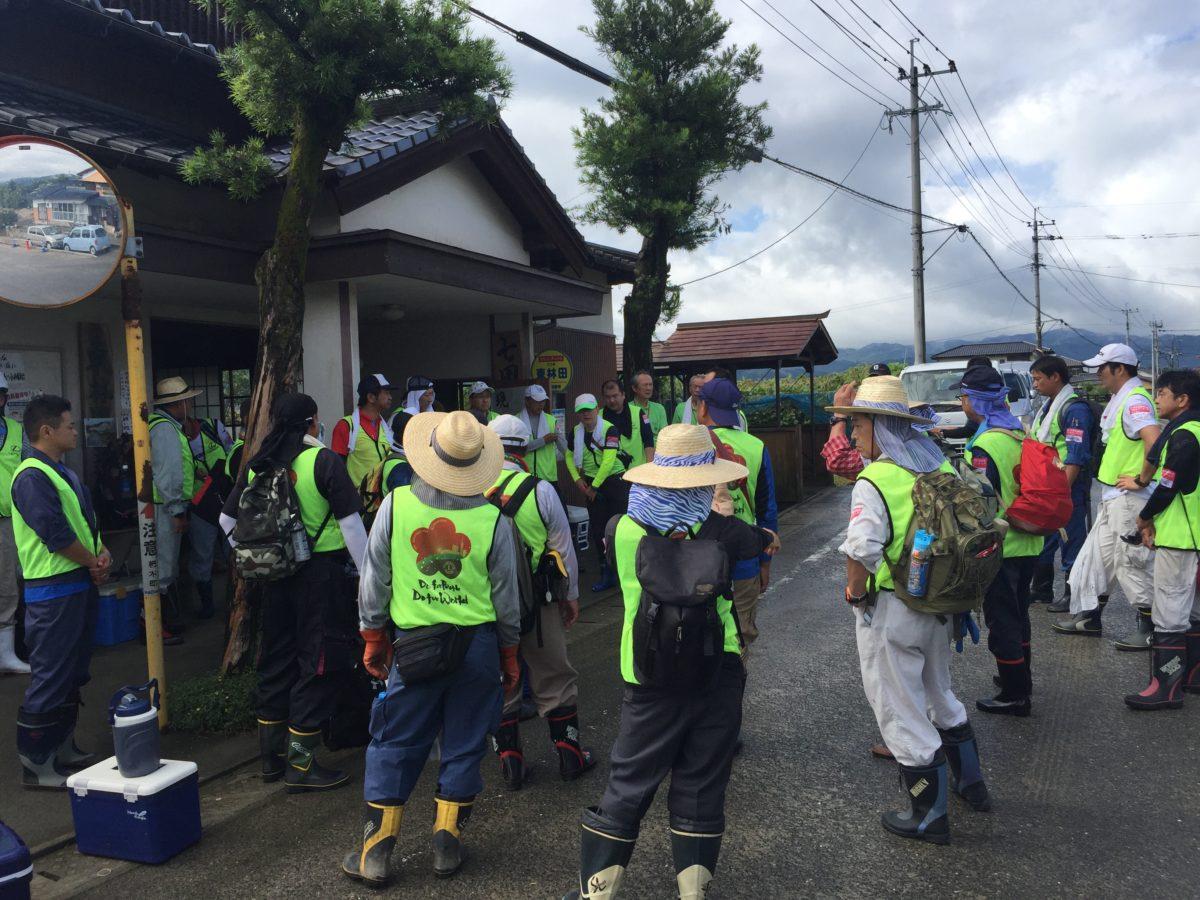 朝倉災害ボランティア参加伊都福岡ライオンズ